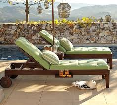 ahhh swoon love this set of chaise lounges