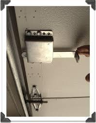 garage door manual locking mechanism