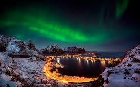 Northern Lights Holidays From Belfast Best Places To See The Northern Lights Skyscanner Ireland