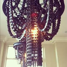 recycled bicycle chain chandeliers by ina fontoura alzaga 5