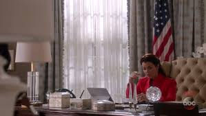 oval office decor. With Mellie Grant (Bellamy Young), The Ex-wife Of Previous President Fitzgerald (Tony Goldwyn), Finally Taking Office As President, Oval Decor R