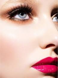 hot pink lipstick is the perfect shade for summer in nyc all the best makeups at a duane reade close to you