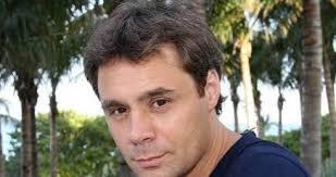 MILANO – Claudio Lippi, giornalista di Milan Channel, è morto in seguito ad un incidente stradale avvenuto questa mattina. Lippi aveva 42 anni, ... - claudio-lippi_1010195436x230