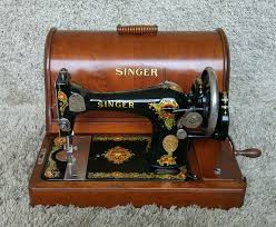 Singer Sewing Machine Wooden Case