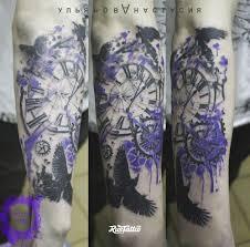 фото татуировки часы в стиле акварель трэш полька цветная