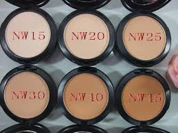 6 powder under eyes when applying dark shadows mac cosmeitcs studio fix powder nw15 nw20 nw25 nw30 nw40 nw45