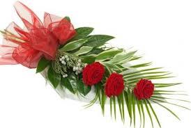 a cli elegant 3 red roses gift set