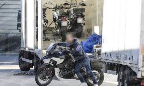 2018 bmw 900 gs. delighful bmw bmwu0027s 2018 f900gs caught out in finished trim on bmw 900 gs s