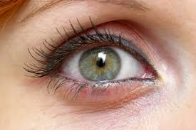 Causes of Green Mucus in the Eye | LIVESTRONG.COM