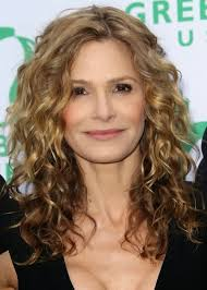 um hairstyles for women over 40 with fine hair curly waves