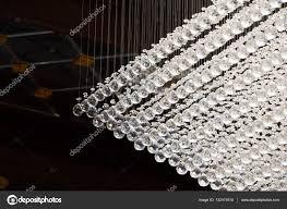 Großer Kronleuchter Mit Kristallkugeln Stockfoto