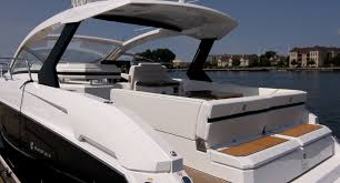 cruisers yachts express coupe reviews performance cruisers yachts 390 express coupe styling
