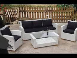 white wicker patio furniture you
