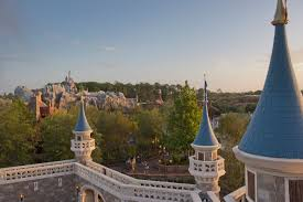 Skip the Crowds: Peak Days to Avoid at Disney World (and When to ...