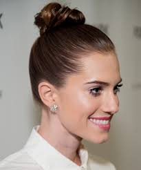 The Weekend Hair Style how to do allison williamss easy top knot hairstyle instyle 6652 by wearticles.com