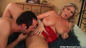 big boobed blonde chick enjoys cunnilingus and hardcore fuck