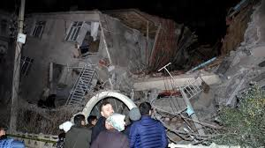 Informationen zu aktuellen erdbeben in deutschland. Turkei Tote Bei Schwerem Erdbeben Panorama Sz De