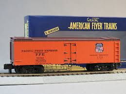 Now available for the first time in american flyer with bluetooth and improved decoration, this new rendition of the polar express is the perfect start to a holiday tradition. Lionel American Flyer Polar Express Reefer S Gauge Christmas Santa 6 49951 New Toys Hobbies S Scale