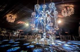 rakhee jain dishes out an exquisite chandelier themed diwali party in london india news updates on eventfaqs