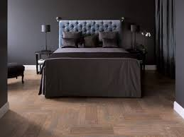 This Bedroom Ceramic Looks Like Wood