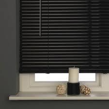 aluminium black venetian blind expand
