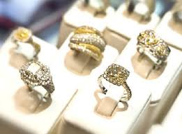 Yellow Diamond Vs White Diamond Differences Between White Gold Vs Yellow Gold Which Is Better
