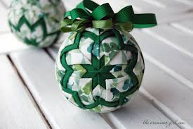 Ornament Inspiration for St. Patrick's Day – The Ornament Girl & lots-of-luck-quilted-ball-ornament Adamdwight.com