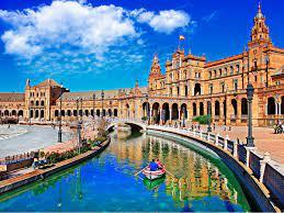 بعد قرار إزالة القيود.. سفارتنا في إسبانيا توضح الشهادات التي تسمح لحامليها  بالدخول إلى المملكة