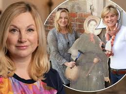 Published 9 years, 2 months ago 1 comment. Inside Bitter Feud Of Anthea Turner And Sister My Sister Drove Me To Madness I M Now Living In A Travelodge News Break