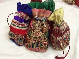 Ideas For Wedding Favours In India