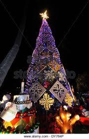 Christmas Tree On Beach With Hula Dancers In Hawaii Stock Photo Christmas Tree Hawaii