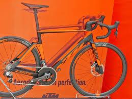 2018 ktm street bikes. simple bikes 2018 ktm revelator lisse aero road bike gets clean creative cable  integration with ktm street bikes