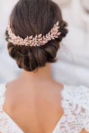 Ozdoby Do Vlasů Tiáry A Diadémy Korunují Krásu Nevěsty Máme Pro