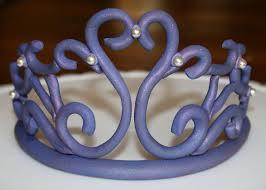 Sugar Paste Cake Decorating 1000 Ideas About Fondant Crown On Pinterest Crown Cupcakes