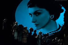 «<b>Коко Шанель</b>: страницы <b>жизни</b>». В Нижнем показали спектакль ...