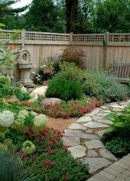 Image Flagstone Pathway 48 Front Yard Path Walkway Design Ideas Decoratrendcom Pinterest 48 Front Yard Path Walkway Design Ideas Garden Ideas Pinterest