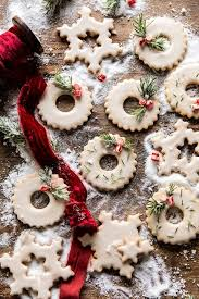 Gingerbread cookies christmas cookies biscuits cookie icing holidays and events cookie spring floral cookies. 64 Christmas Cookie Recipes Decorating Ideas For Sugar Cookies