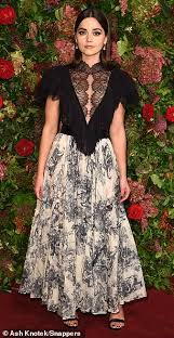 show off some lace like jenna in a dior gown