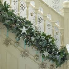 Christmas Decoration for your Staircase | Celebrate &