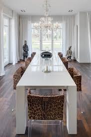 Villa Potsdam Esstisch Kronleuchter Esszimmerstuh