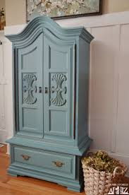 How to paint an armoire. Painted blue armoire in Squires Squires Henson  Mustard Seed Kitchen Scale milk paint by Nativ Nativ Hunter {before & after}