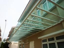 Além de ajudar na proliferação da luz solar, iluminando o ambiente ou secando as roupas. Coberturas De Vidro