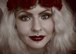 inspired by the great gatsby let me show you how to recreate a y vine 1920 s makeup i ll share little 1920 s beauty tips and tricks to help you