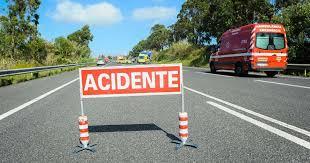Homem morre em colisão entre carro e camião em Nelas