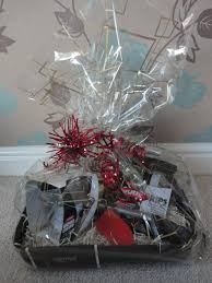 Gift Basket Wrapping Ideas How To Wrap A Gift Basket In Cellophane Gift Wrapping Ideas