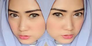 Hasil gambar untuk eyeliner dan hijab