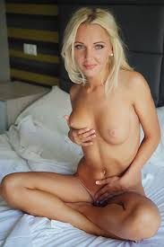 Blonde pic pussy woman