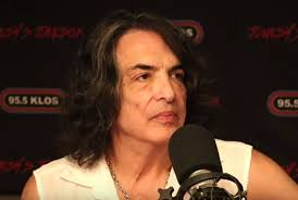 kiss frontman paul stanley it s great to be in a band where there s no