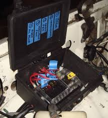 positive battery terminal clean up ihmud forum all wires enter side of box via inner fender