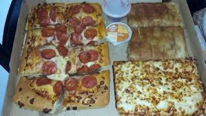 10 Dinner Box With Pepperoni Topping And Cheese Sticks Instead Of